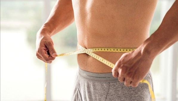 homem-medir-circunferencia-abdominal-0816-1400x800